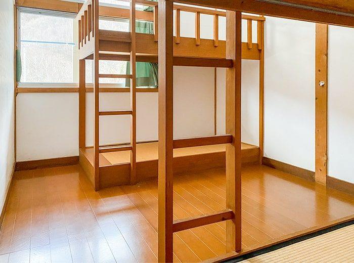二段ベットの4人部屋